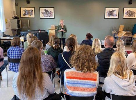 GirlTalk på besøg på Skørping Skole